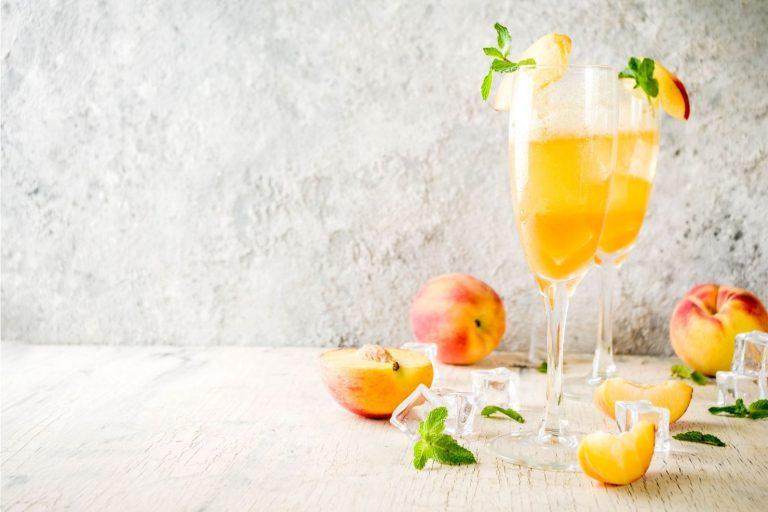 Cocktail Corner - Bellini Peach Spritz Recette