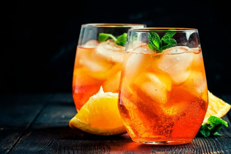 Cocktail Corner - Cointreau Spritz recette